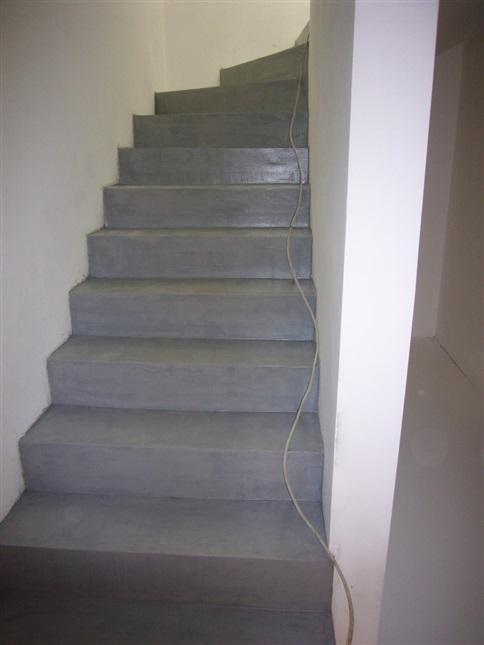 wohnung in nalles bz treppe mit cementix scheda referenza. Black Bedroom Furniture Sets. Home Design Ideas