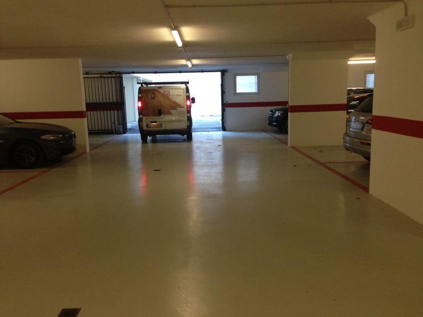 Risanamento piastrelle garage in via talvera a bolzano bz for Piastrelle garage